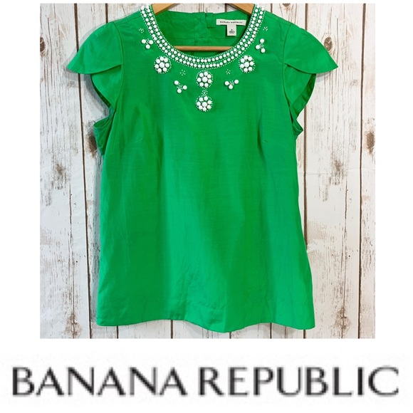 ae35bfaa57e75f Banana Republic Tops - BANANA REPUBLIC Kelly green embellished top